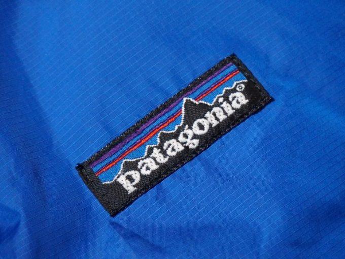 patagoniaパタゴニア-パフ-ベスト-刺繍ブランドタグ