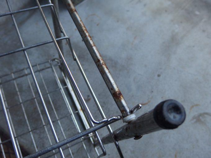 ステンレス製-食器水切りラックのサビ-2