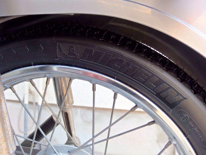 スーパーカブ90カスタム-後輪タイヤ交換完了