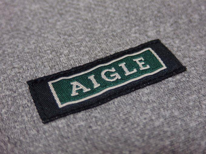 AIGLEエーグル-ジャージー生地-ベスト-胸のラベル