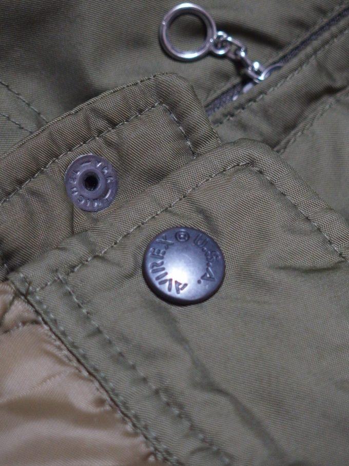 AVIREX-アヴィレックス-中綿入りステンシルジャケット-袖のスナップボタン