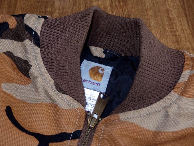 Carhartt-カーハート-オレンジカモ柄-ワークジャケット-襟リブ画像