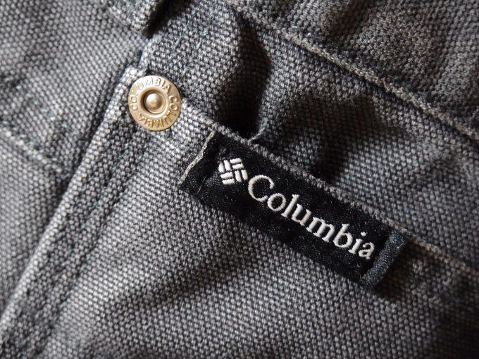 Columbiaコロンビア-ダック生地-ペインターパンツ-ポケットのブランドタグ