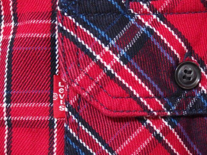 Levisリーバイス-RedTabレッドタブ-中厚手フランネルシャツ-フラップポケットの画像