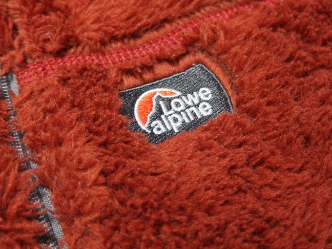 Lowe-alpine-ロウアルパイン-フリースジャケット-ブランドネームタグ