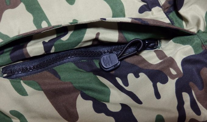 Penfieldペンフィールド-迷彩-フラップ付きのポケット