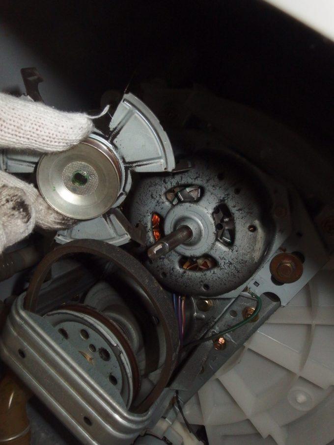 洗濯機Vベルト交換-作業-3