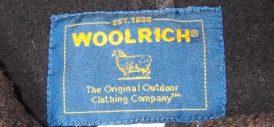 WOOLRICH-ウールリッチ-襟ぐりのラベル-ブランドロゴ