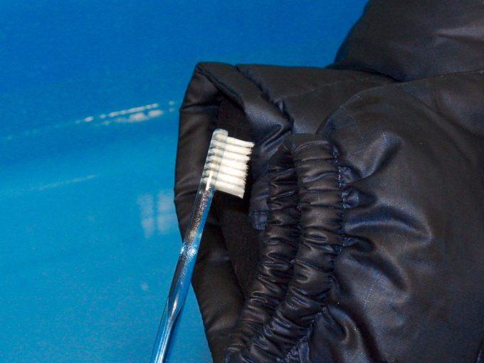 patagoniaパタゴニア-ダウンジャケット-皮脂脂の汚れ-部分洗い.